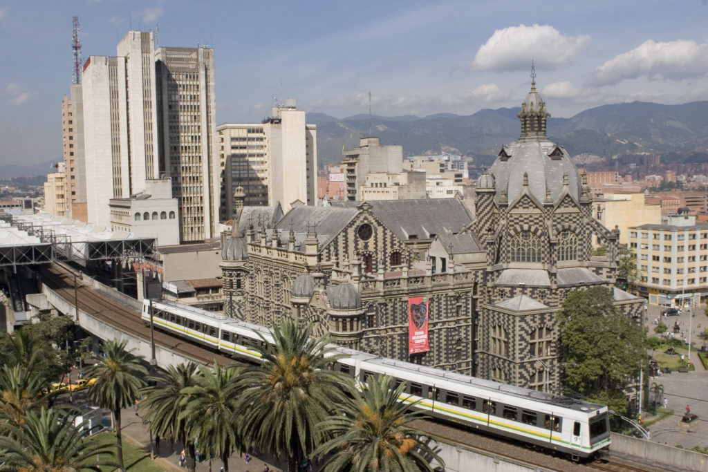 Metro_de_Medellín,_Colombia (1)