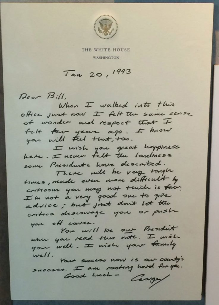 before-he-left-office-bush-sr-left-this-touching-letter-for-bill-clinton-2